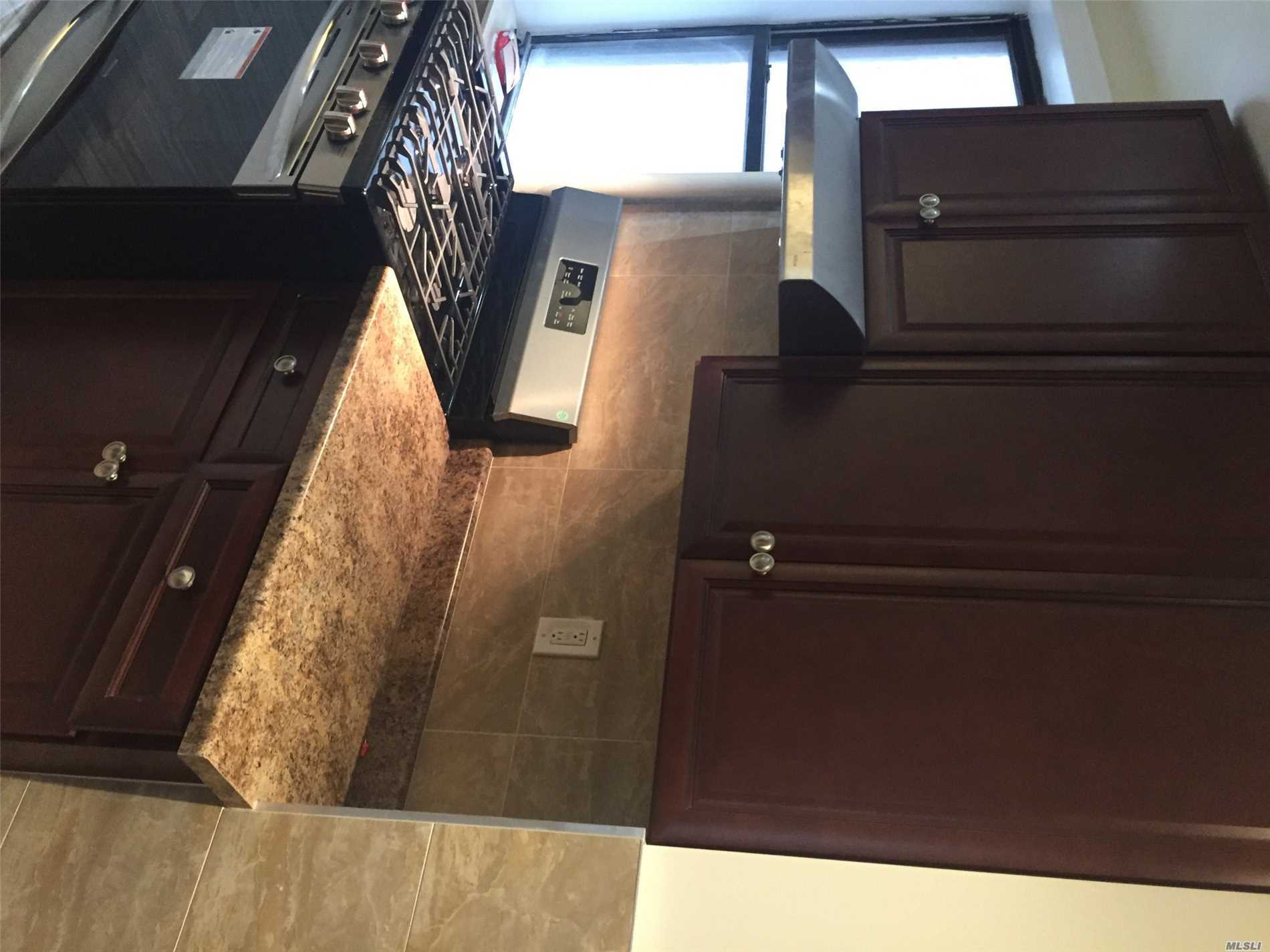 Residential For Rent in 25-31 38th St, Long Island City, NY ,11106