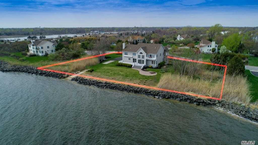 Residential For Sale in 2 Marina Ln, E. Patchogue, NY ,11772