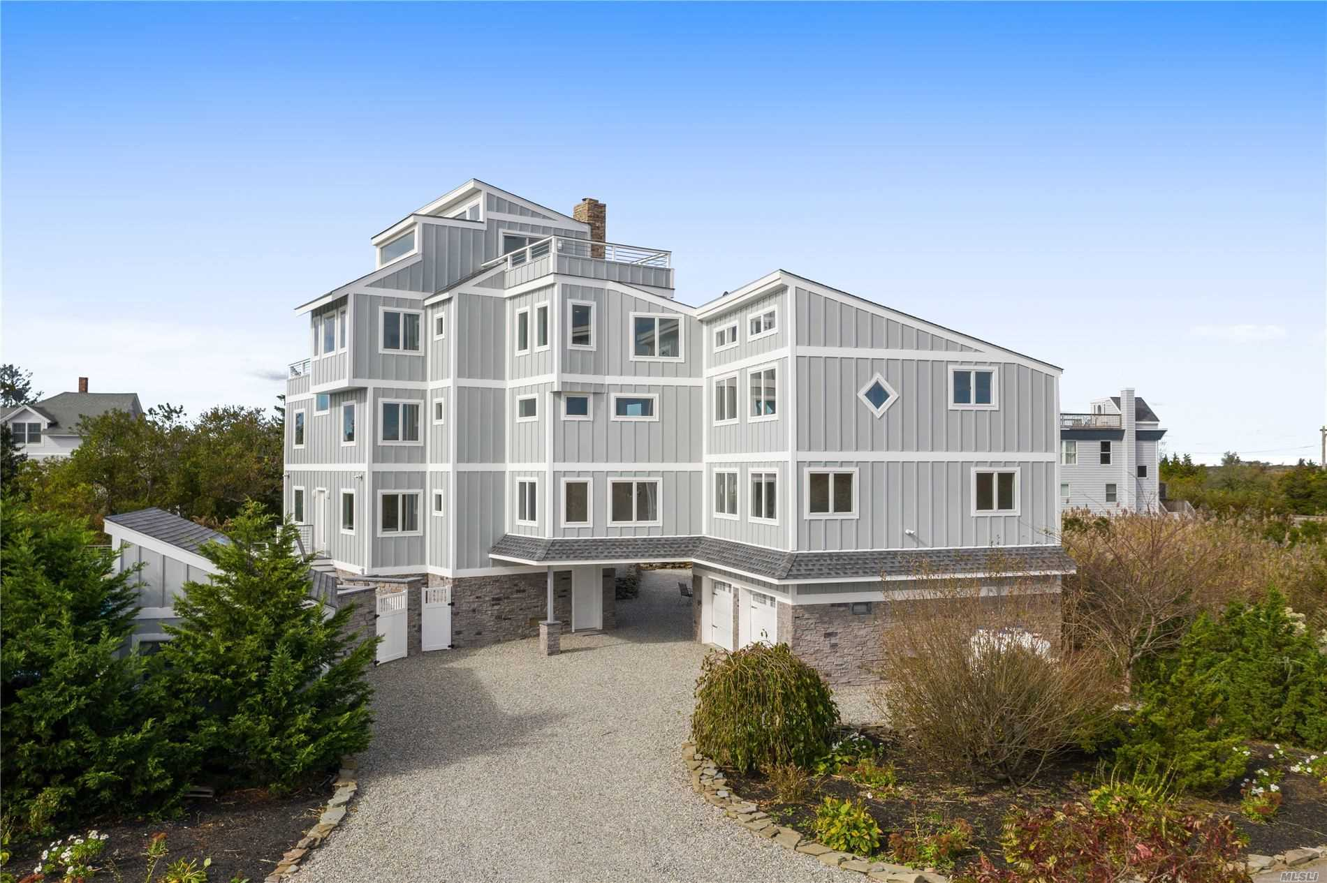 Residential For Sale in 33 Anchor Way, Oak Beach, NY ,11702