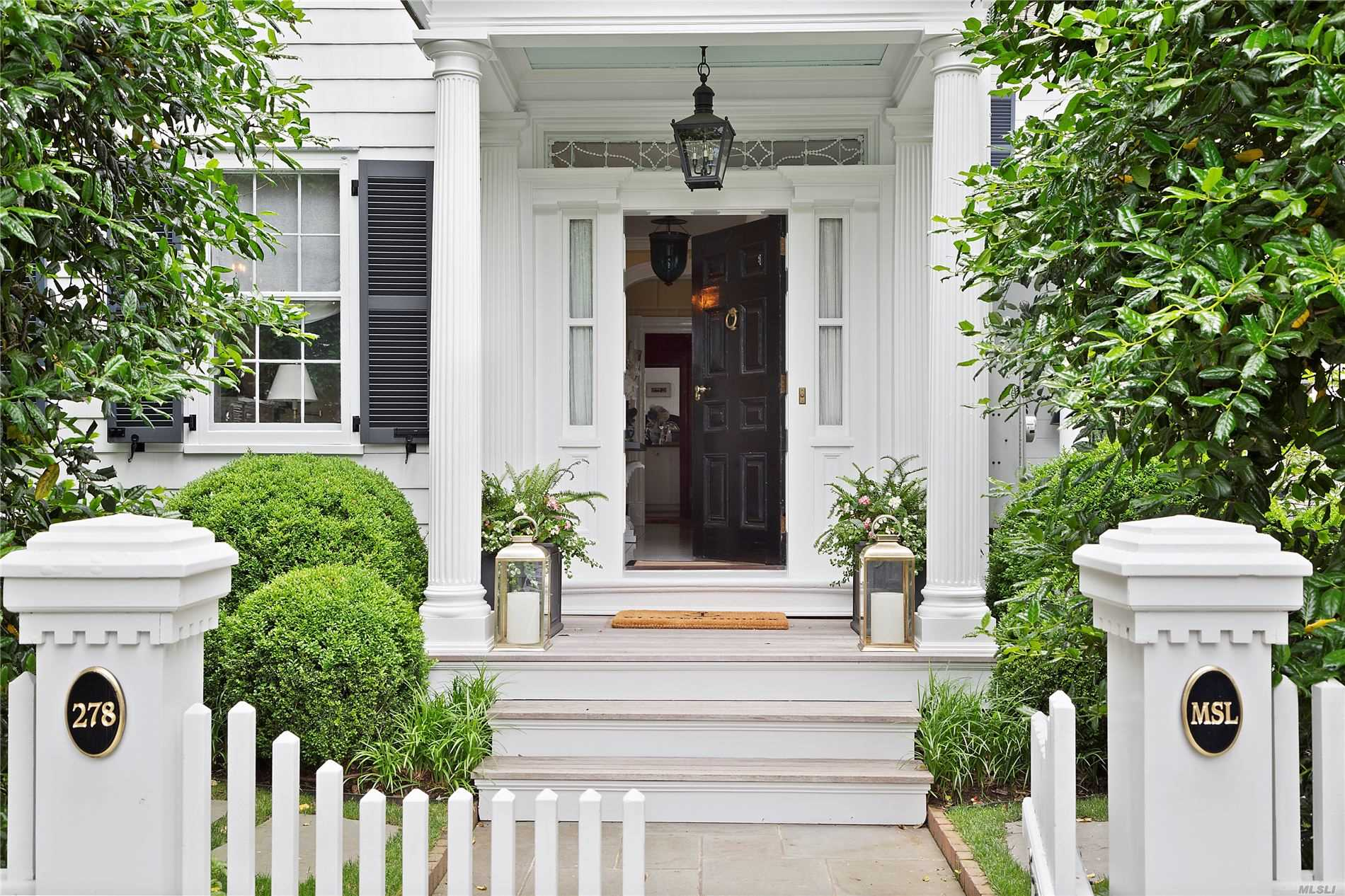 Residential For Sale in 278 Main St, Sag Harbor, NY ,11963