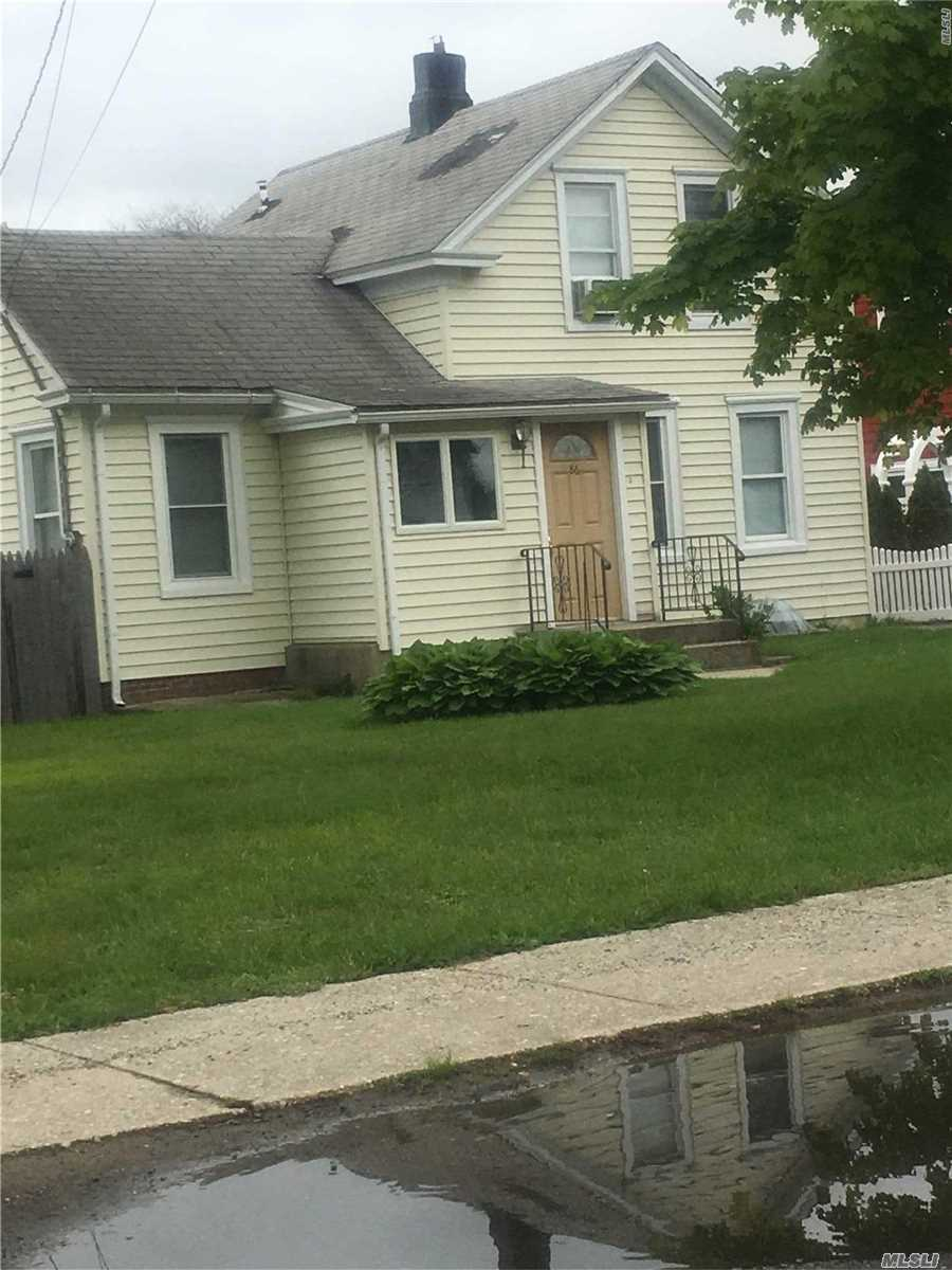 Residential For Sale in 86 Tyler Ave, W. Sayville, NY ,11796