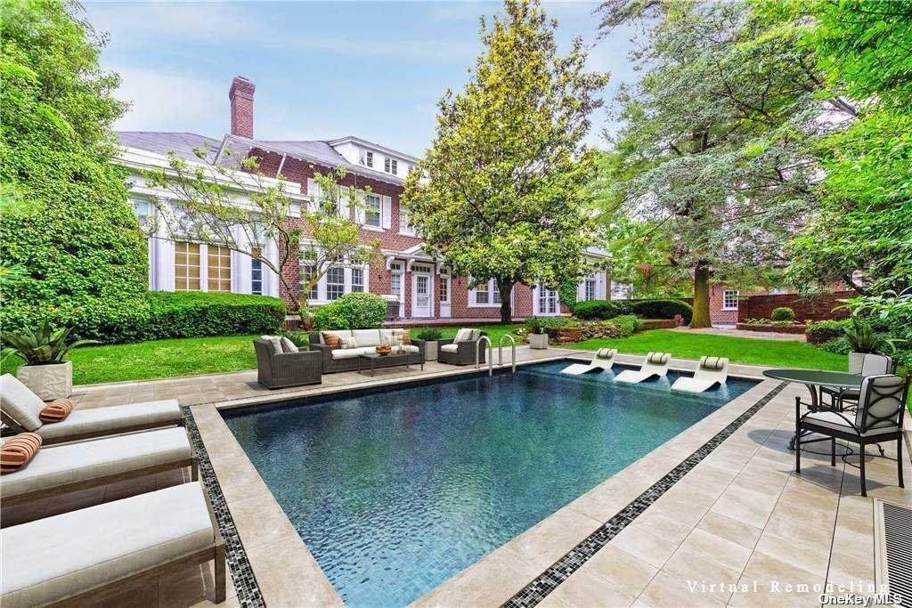 Residential For Sale in 879 Broadway, Woodmere, NY ,11598