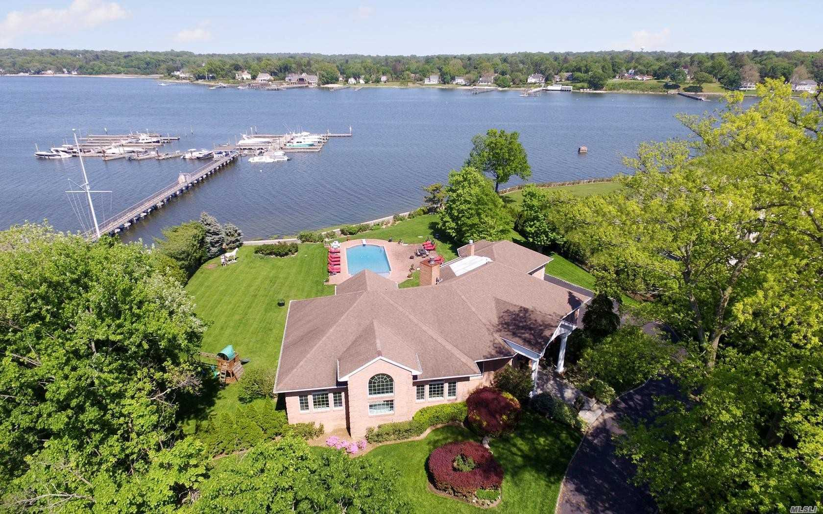Residential For Sale in 12 Shelter Bay Dr, Great Neck, NY ,11024