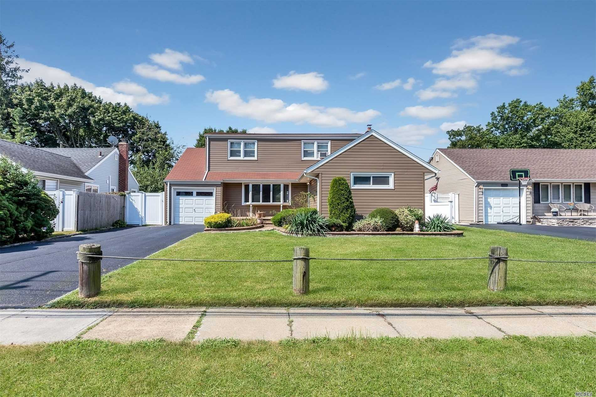 Residential For Sale in 1010 Bellmore Road, N. Bellmore, NY ,11710
