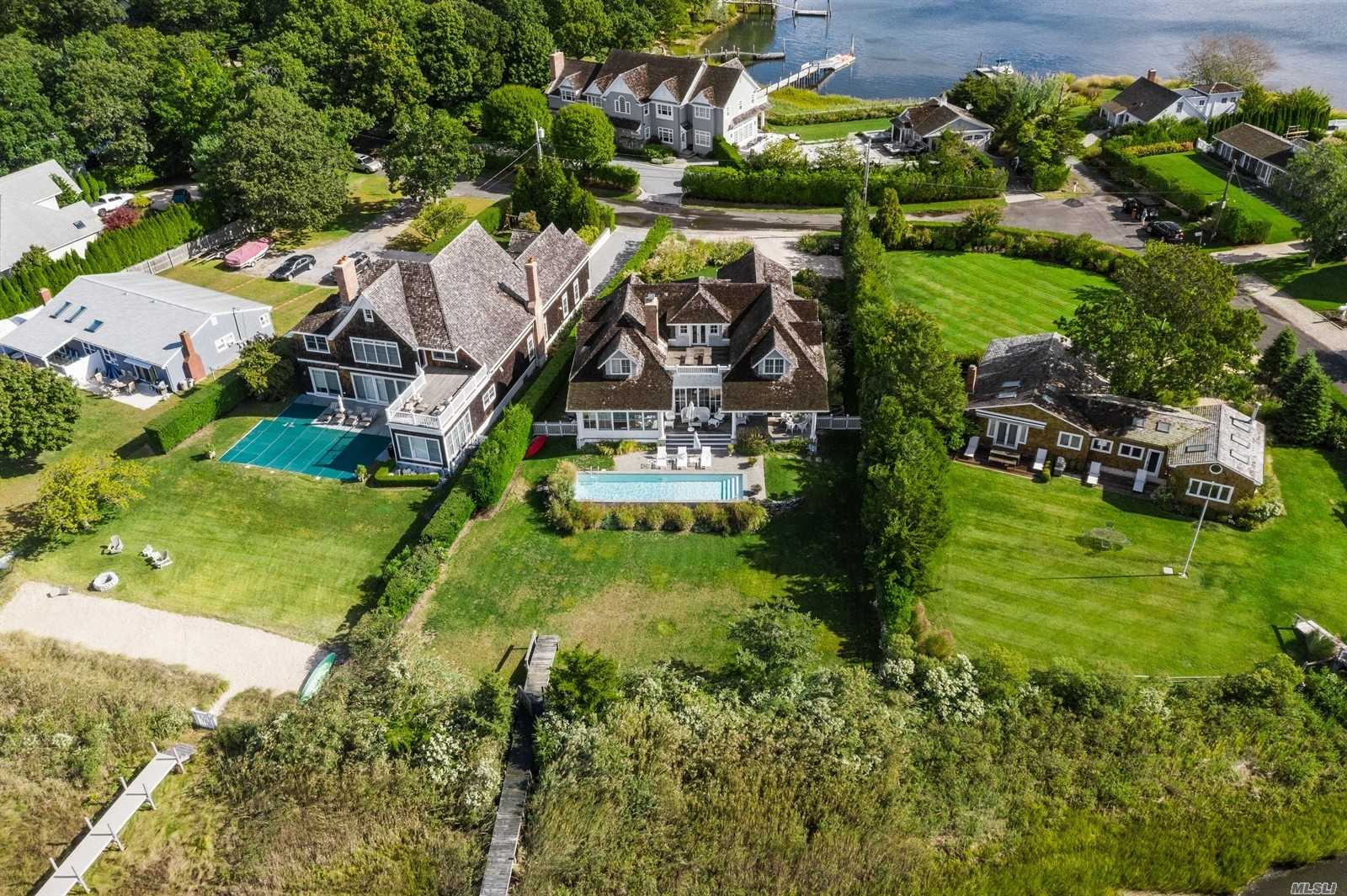Residential For Sale in 16 Notre Dame Rd, Sag Harbor, NY ,11963