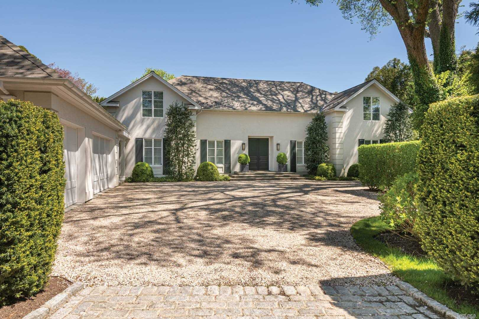Residential For Sale in 16 Meadow Way, East Hampton, NY ,11937