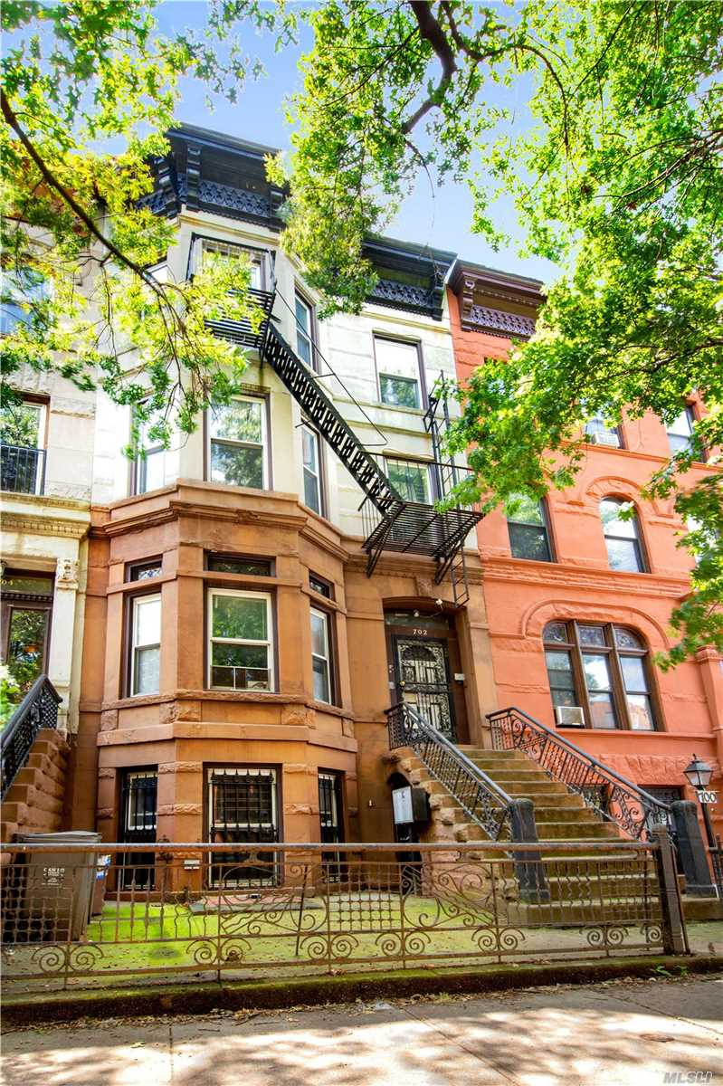 Residential For Sale in 702 Greene Ave, Brooklyn, NY ,11221