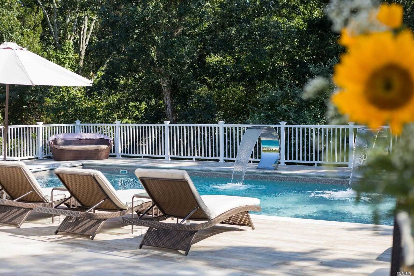 Residential For Sale in 267 Peconic Bay Blvd, Aquebogue, NY ,11931