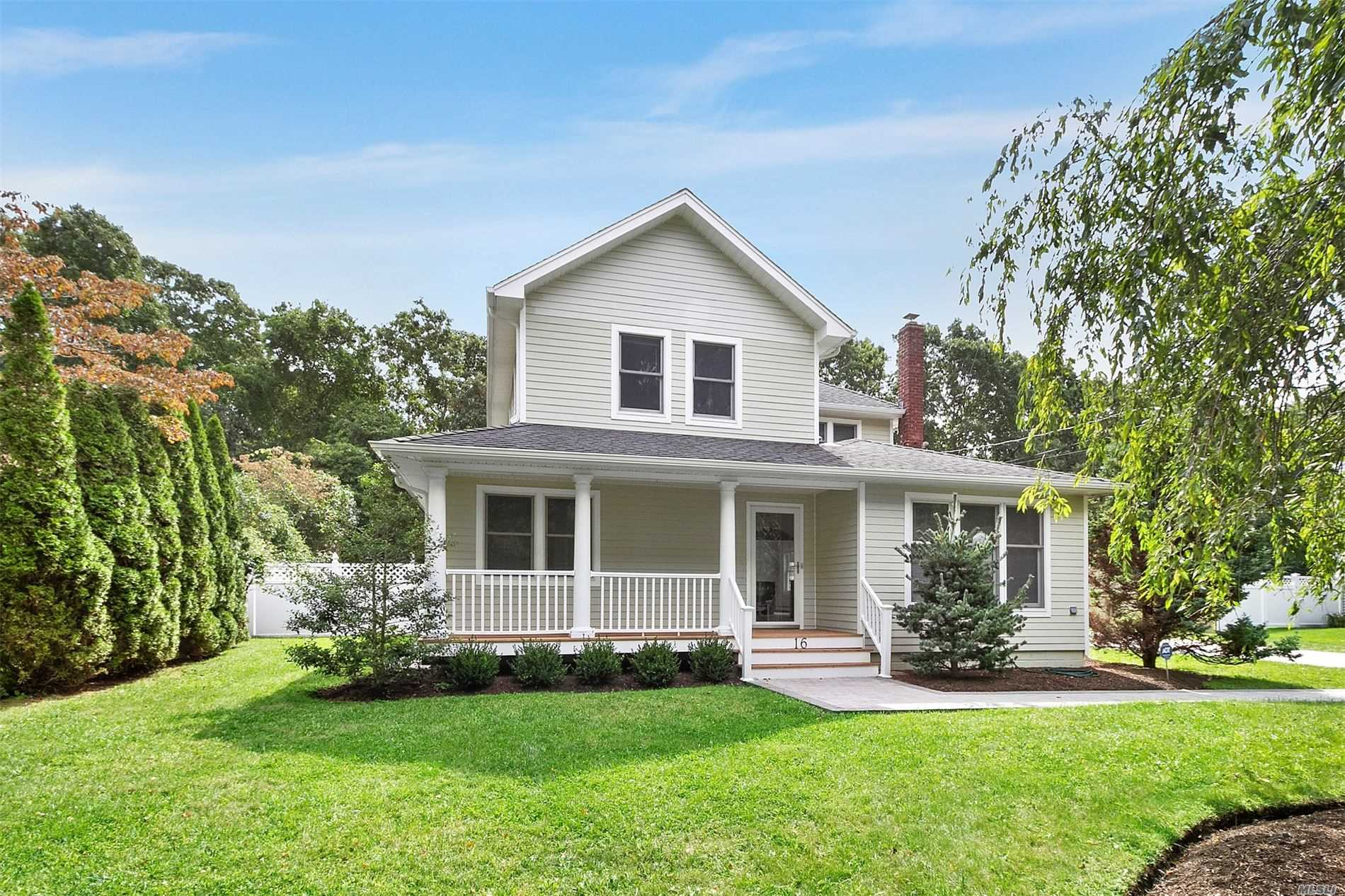 Residential For Sale in 16 Matthews Dr, Speonk, NY ,11972