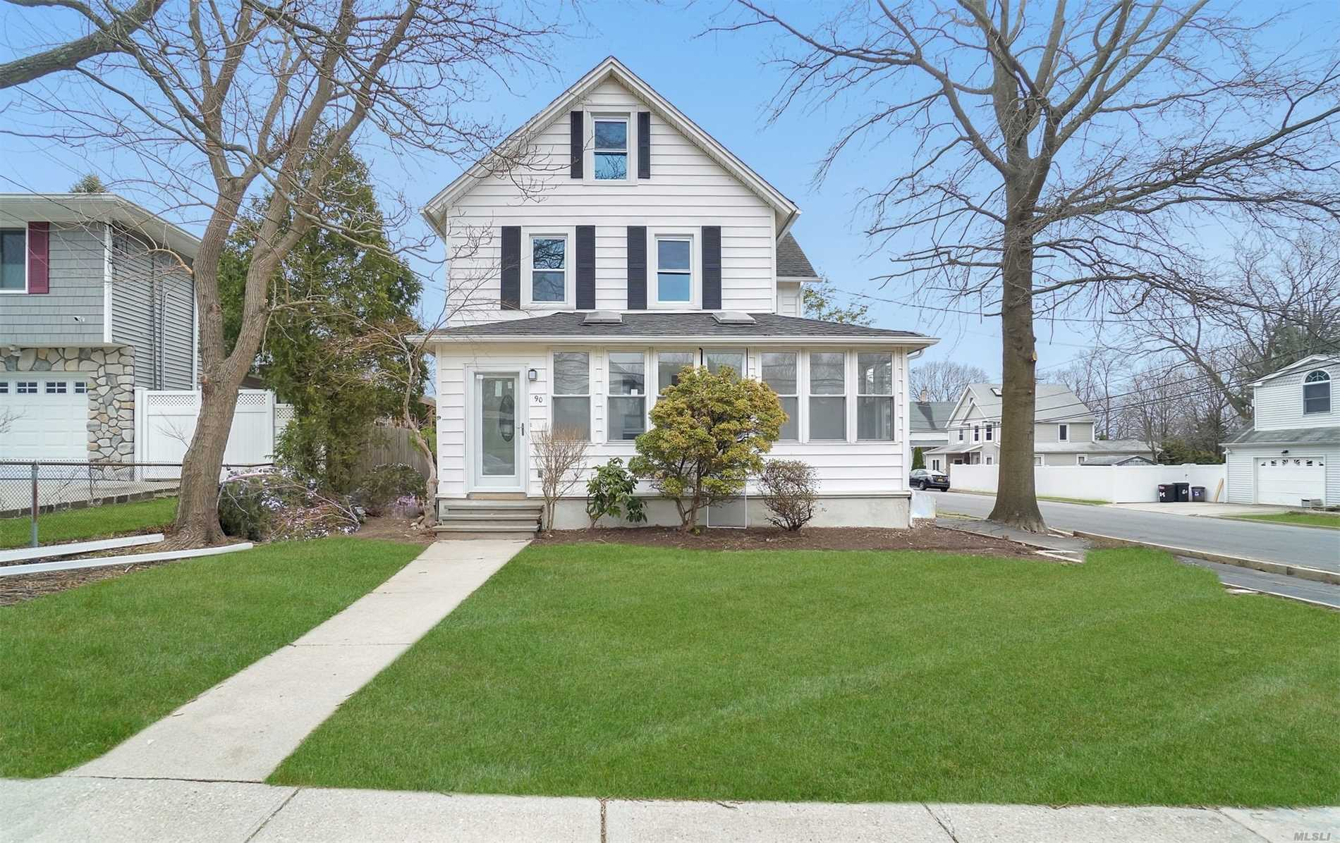 Residential For Sale in 90 Clinton Ave, Huntington, NY ,11743