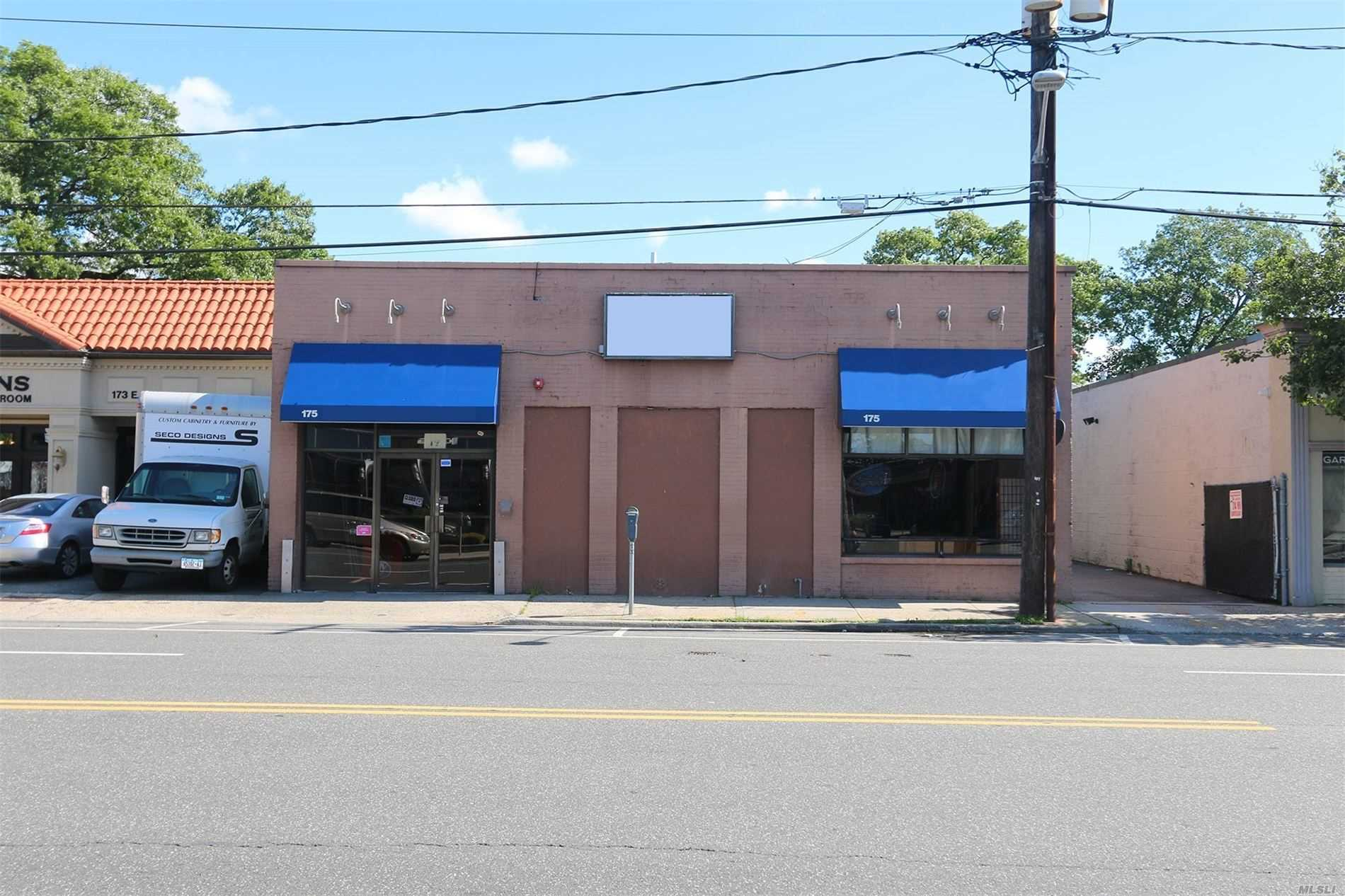 Commercial for sale in 175 Merrick E Rd, Valley Stream, NY ,11580