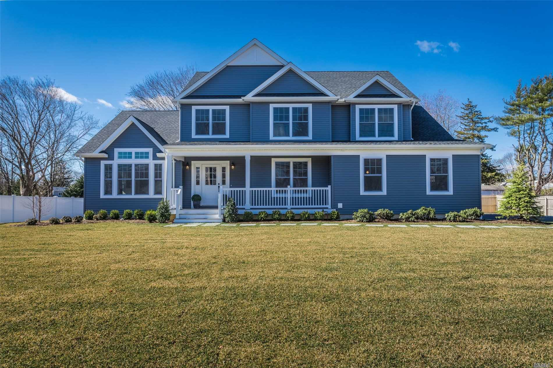 Residential For Sale in 9 Stoothoff Rd, E. Northport, NY ,11731