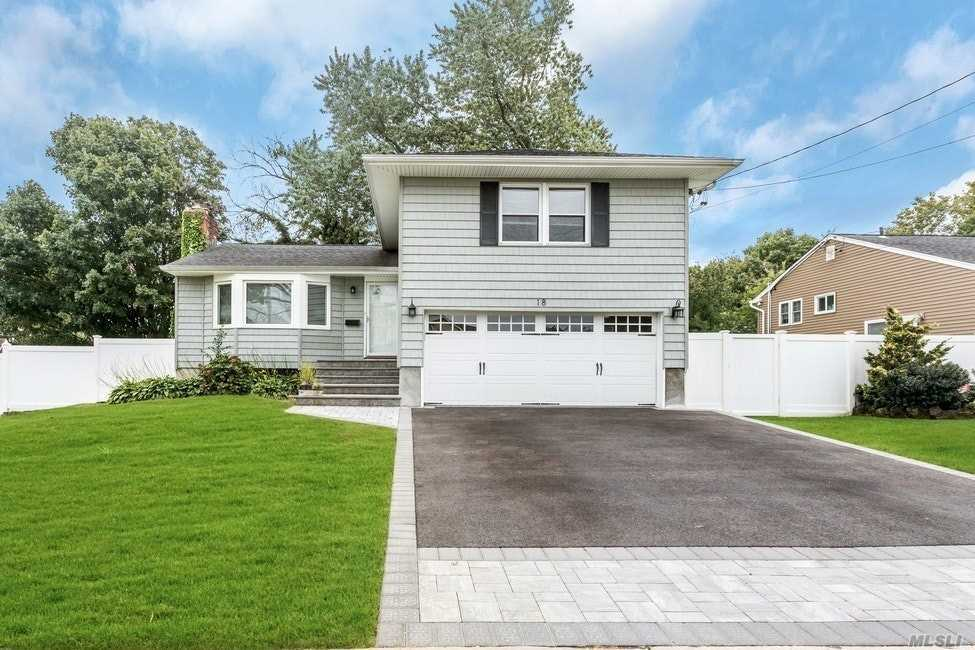 Residential For Sale in 18 Baldwin Ave, Massapequa, NY ,11758