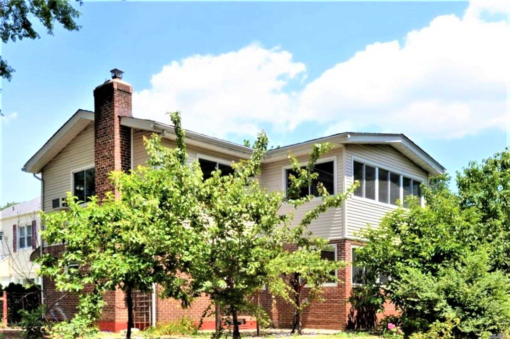 Residential For Sale in 21805 Grand Central Pky, Hollis Hills, NY ,11427