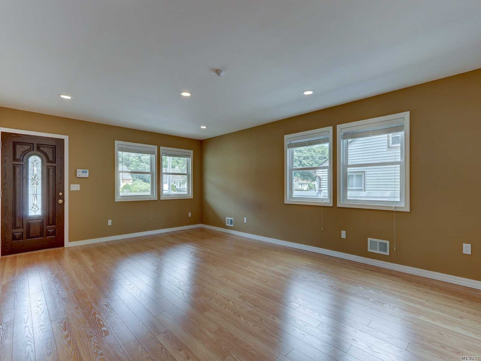 Residential For Sale in 71 Halley E Ln, Central Islip, NY ,11722