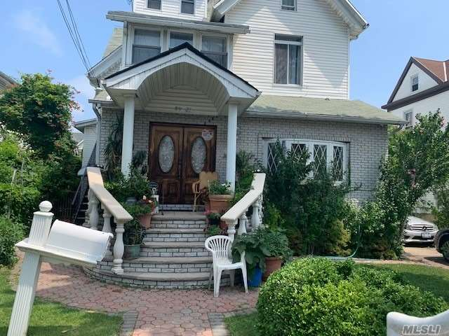 Residential For Sale in 89-27 120 St, Richmond Hill, NY ,11418
