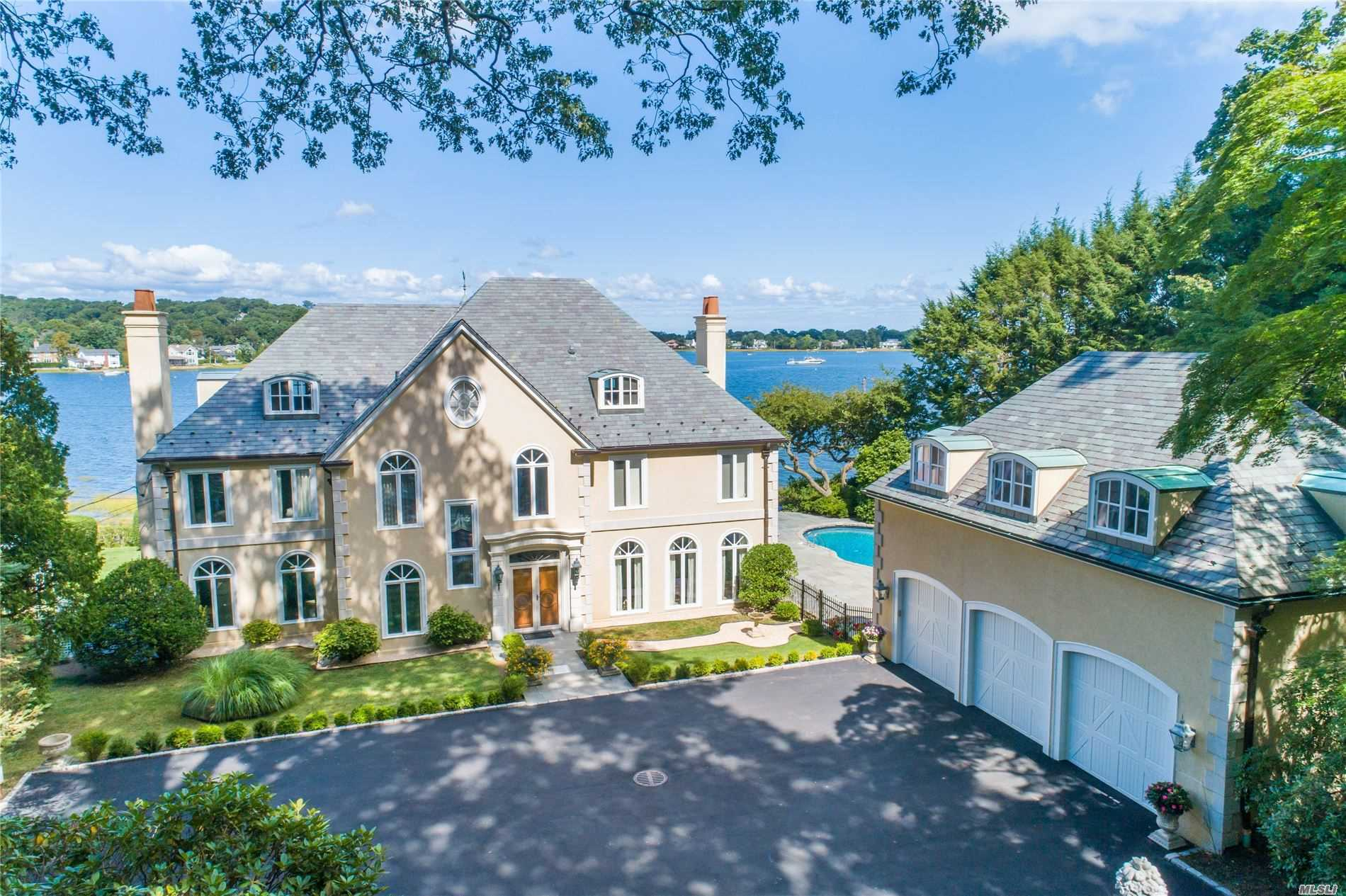 Residential For Sale in 146 Roger Canoe Rd, Mill Neck, NY ,11765