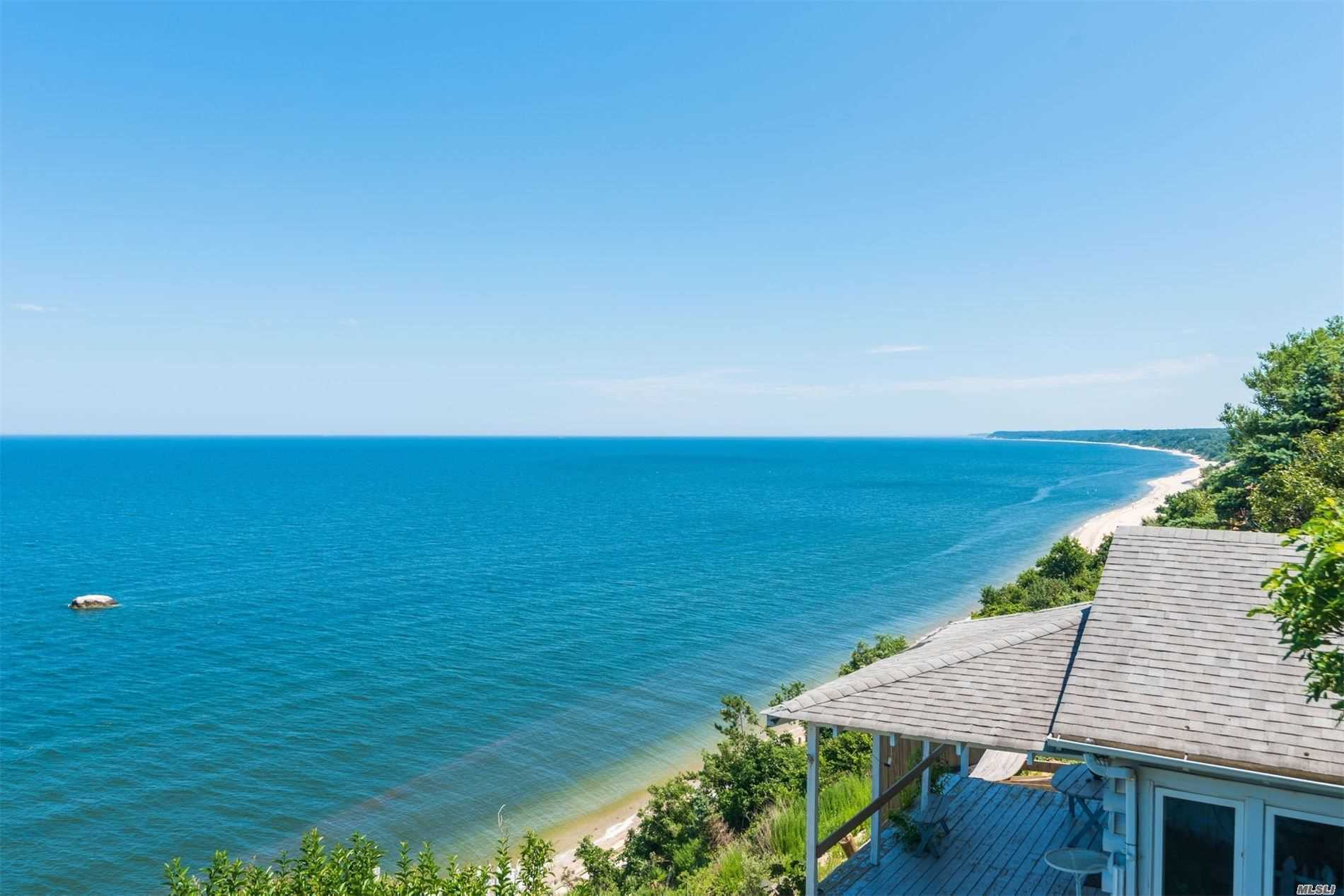 Residential For Sale in 57 Culross Dr, Rocky Point, NY ,11778