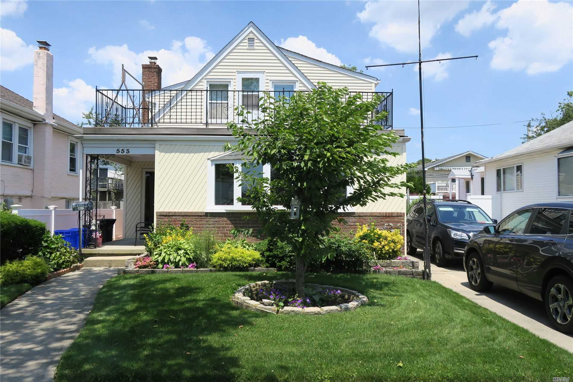 Residential For Sale in 553 Fulton E St, Long Beach, NY ,11561