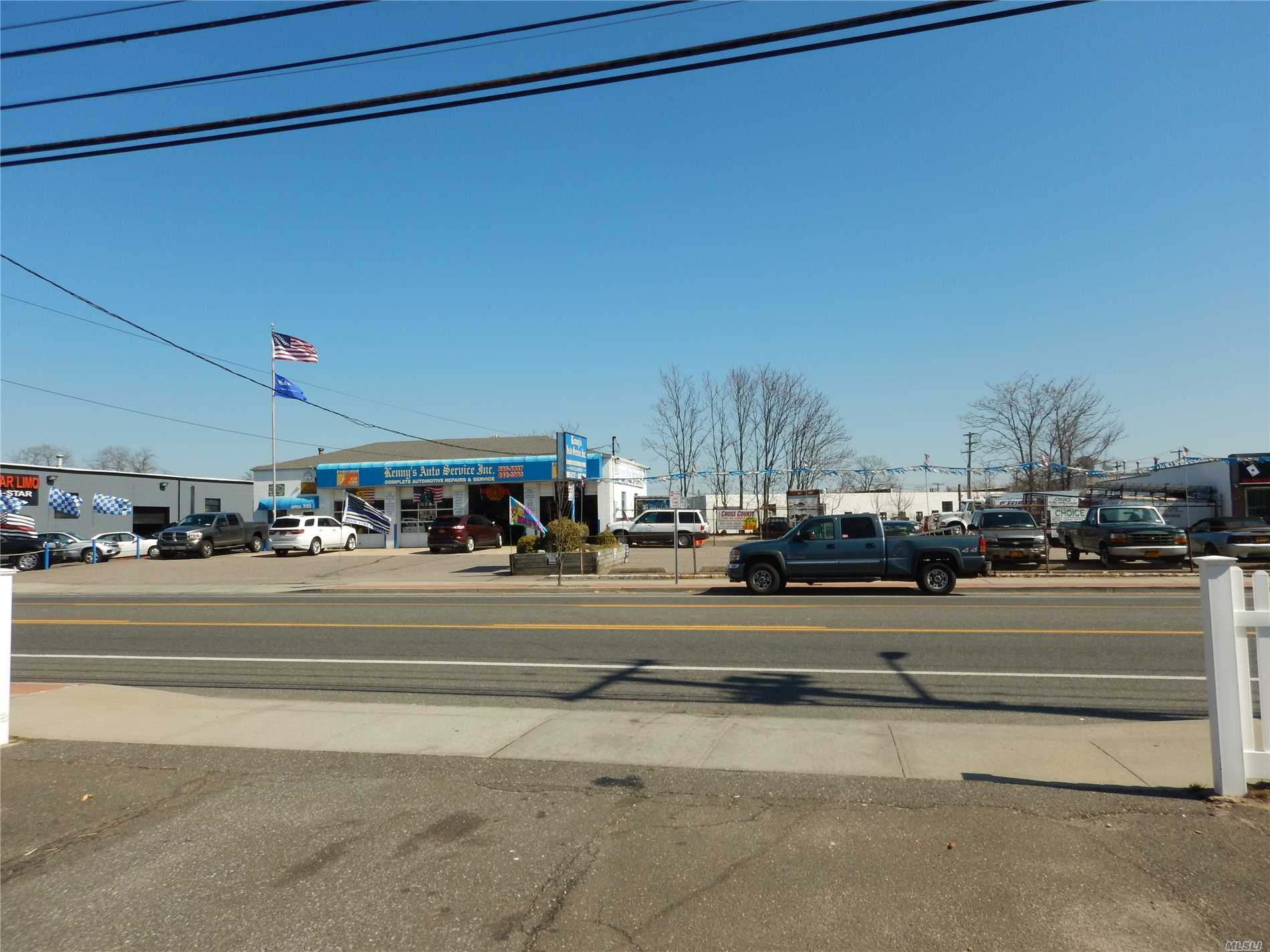 Commercial for sale in 333 Bay Shore Rd, Deer Park, NY ,11729