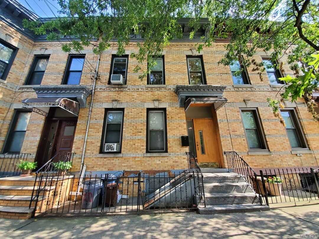 Residential For Sale in 60-10 Putnam Ave, Ridgewood, NY ,11385