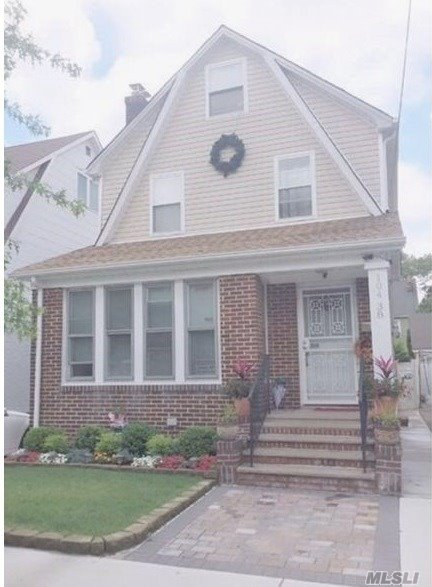 Residential For Sale in 104-38 200 St, St. Albans, NY ,11412