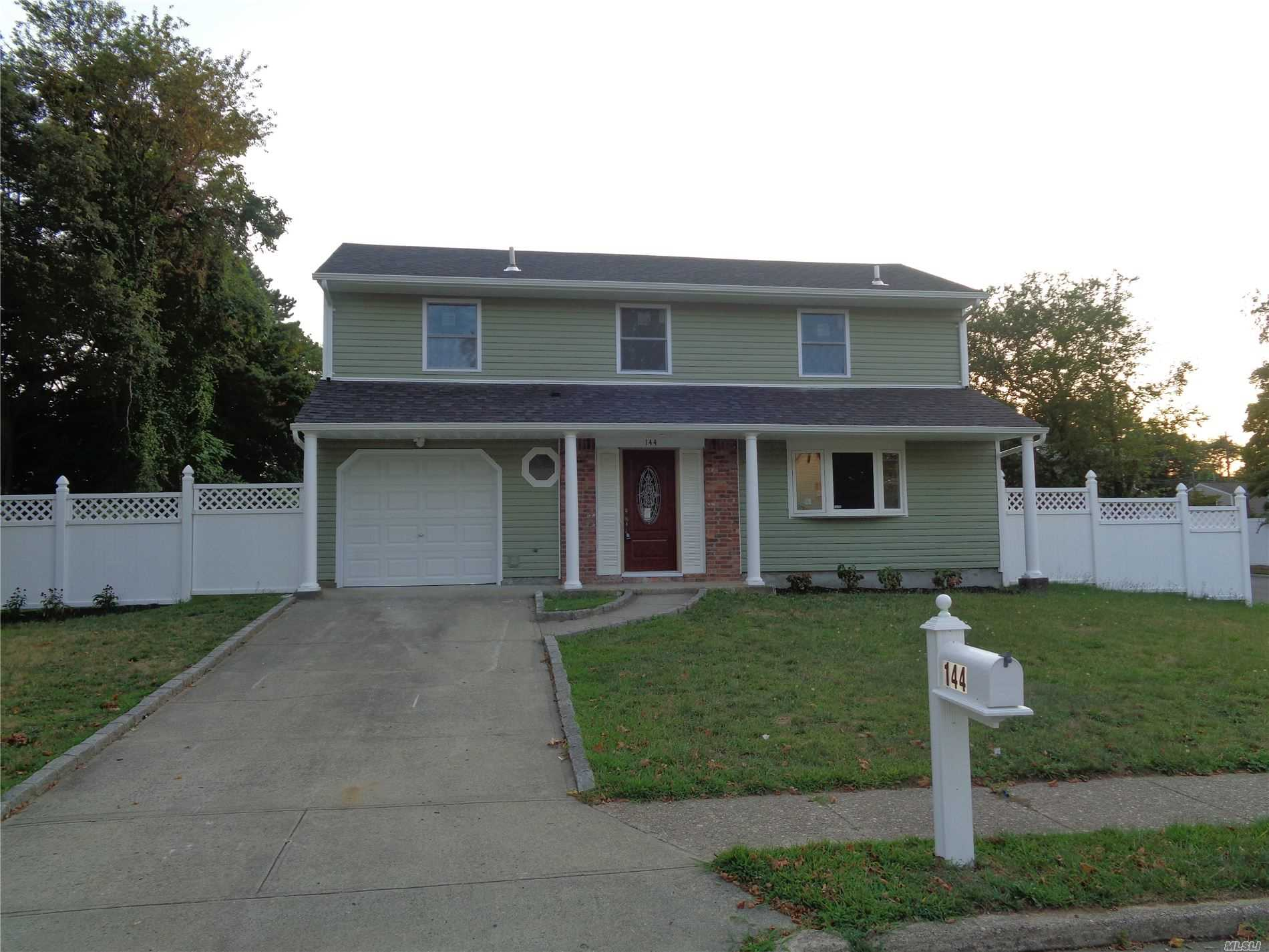Residential For Sale in 144 Root Ave, Central Islip, NY ,11722
