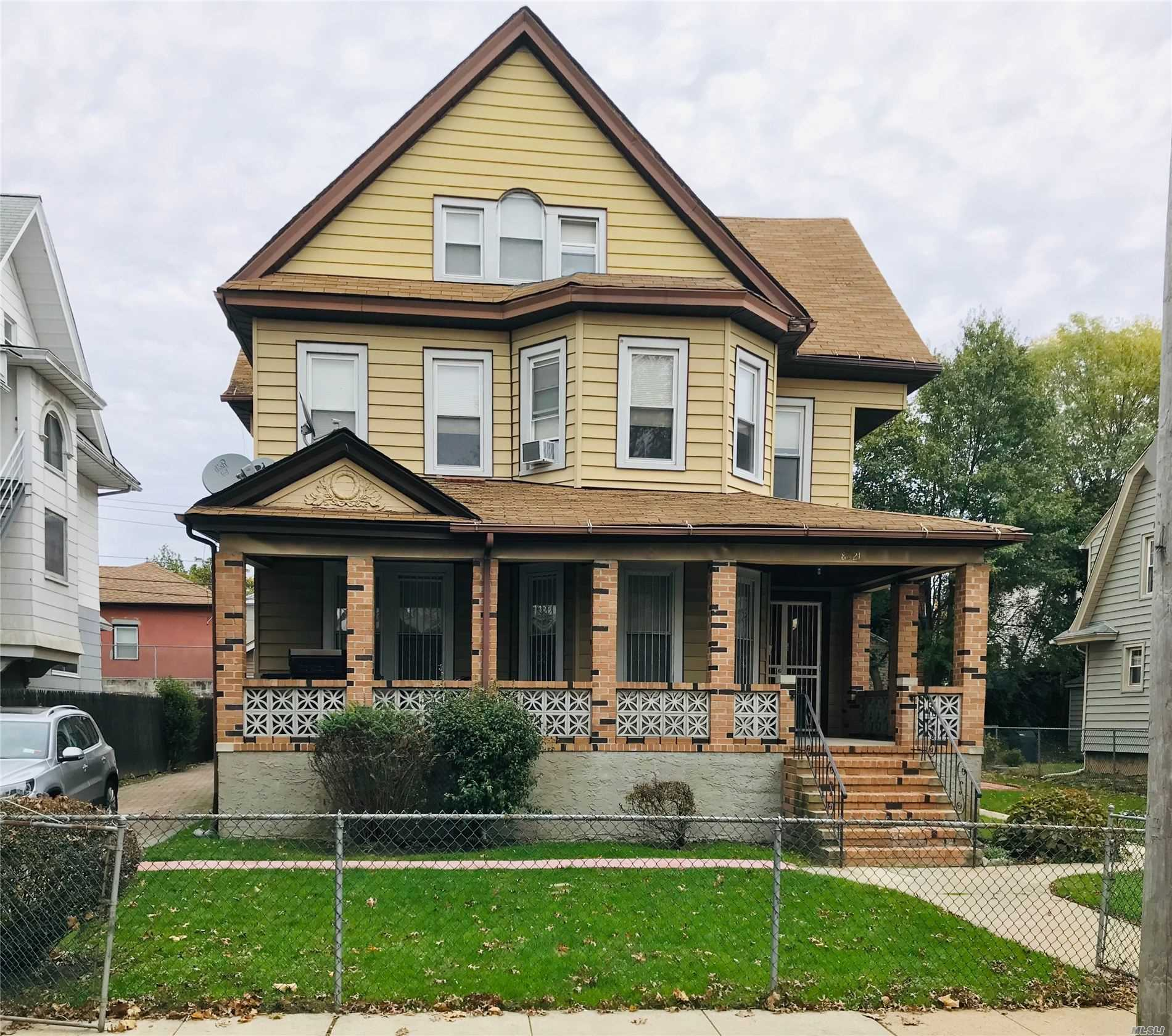 Residential For Sale in 85-21 114th Street, Richmond Hill, NY ,11418