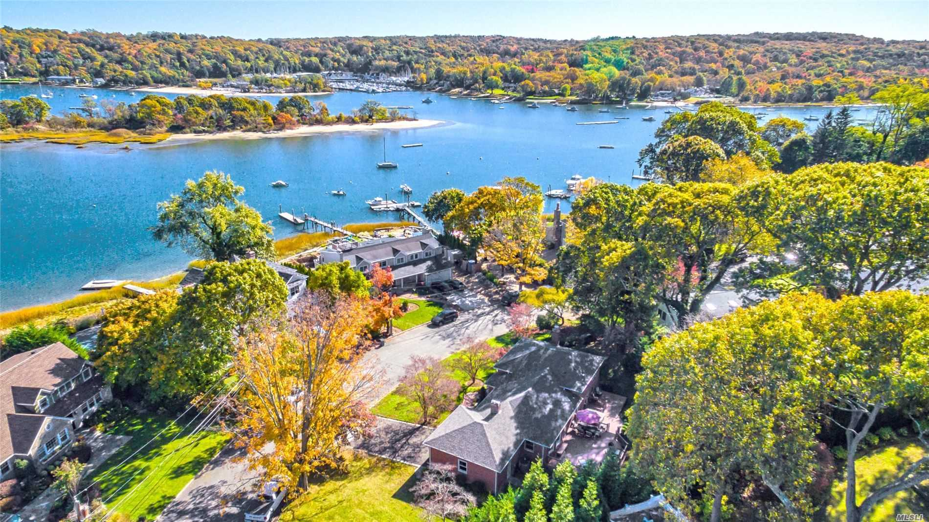 Residential For Sale in 19 Sea Spray Dr, Centerport, NY ,11721