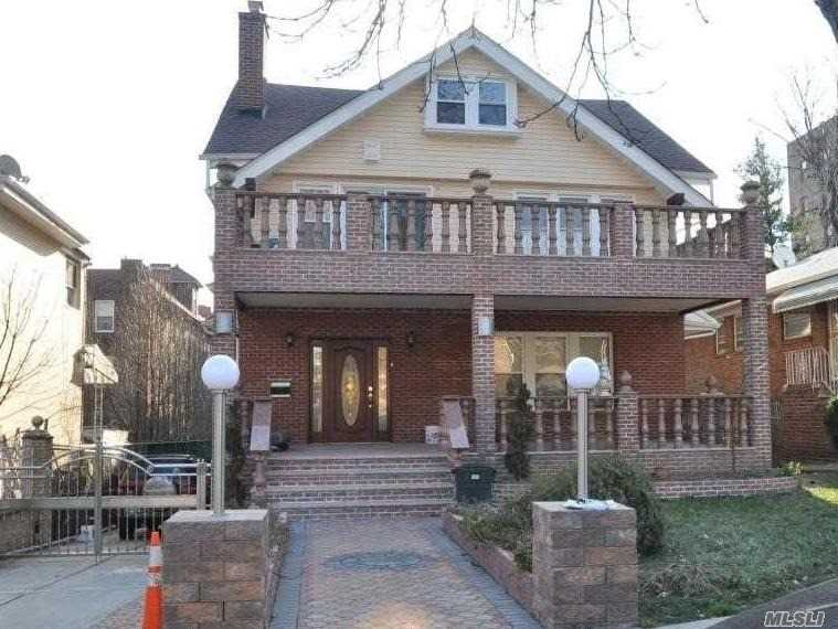 Residential For Sale in 83-24 Abingdon Rd, Kew Gardens, NY ,11415