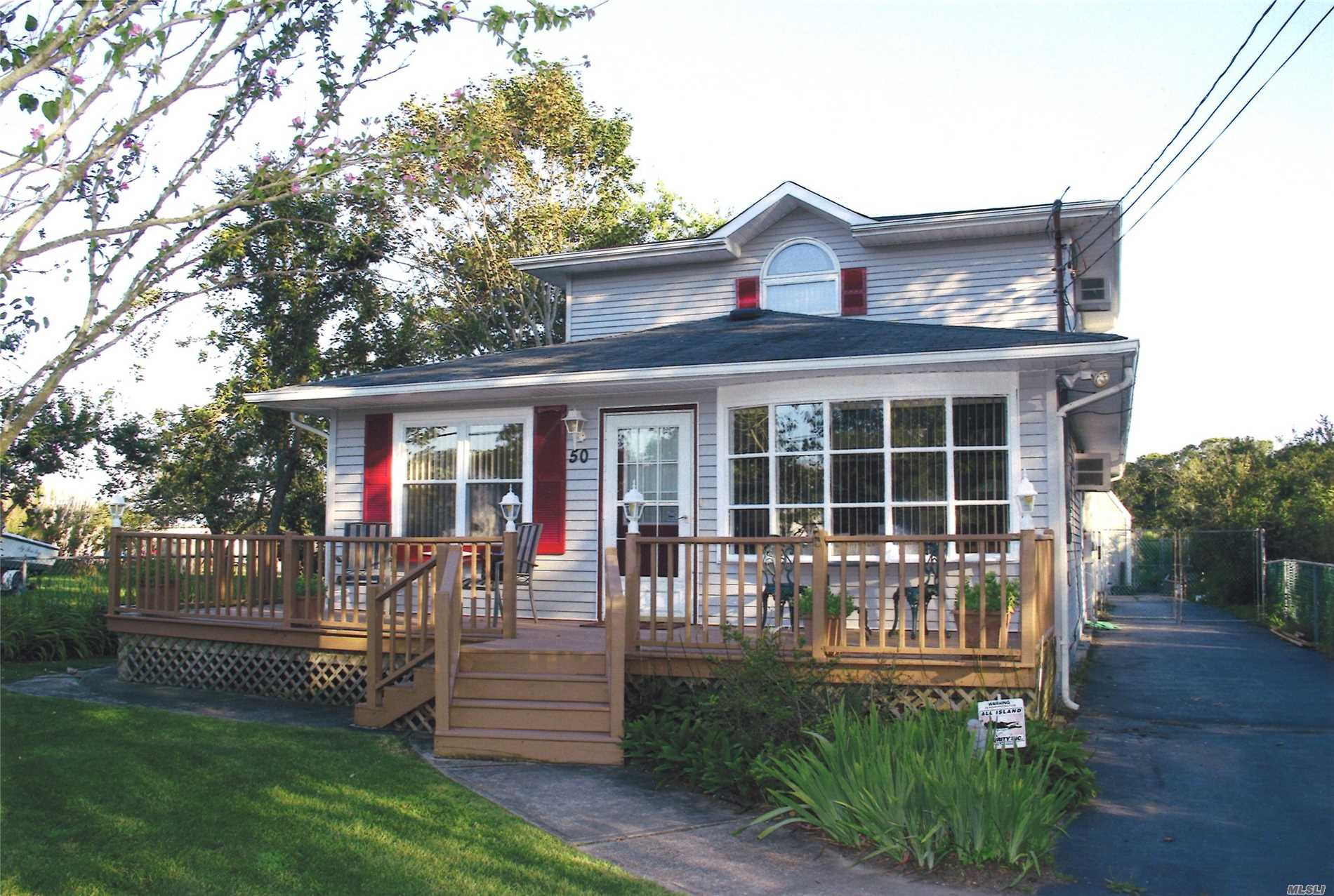 Residential For Sale in 50 Shore Dr, Mastic Beach, NY ,11951