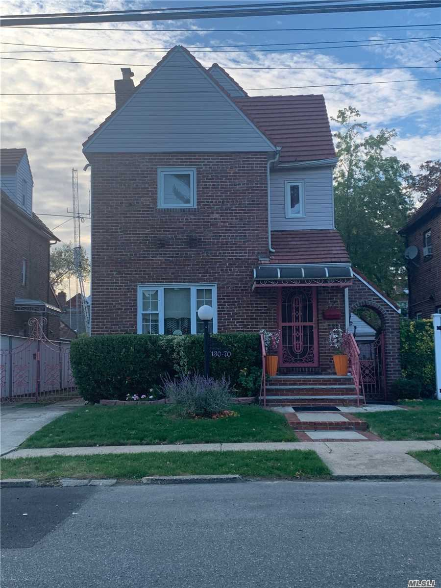 Residential For Sale in 130-70 227th St, Laurelton, NY ,11413