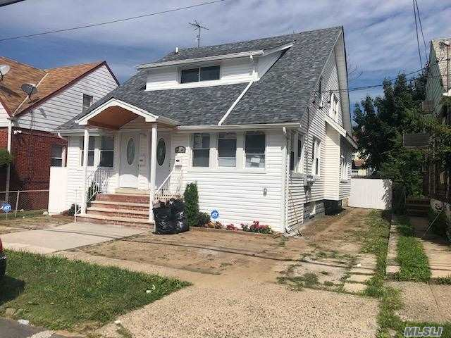 Residential For Sale in 11827 198th St, St. Albans, NY ,11412