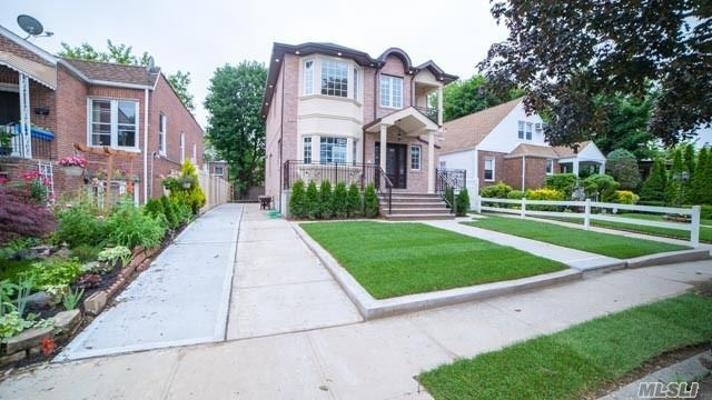 Residential For Sale in 253-22 85th Rd, Bellerose, NY ,11426