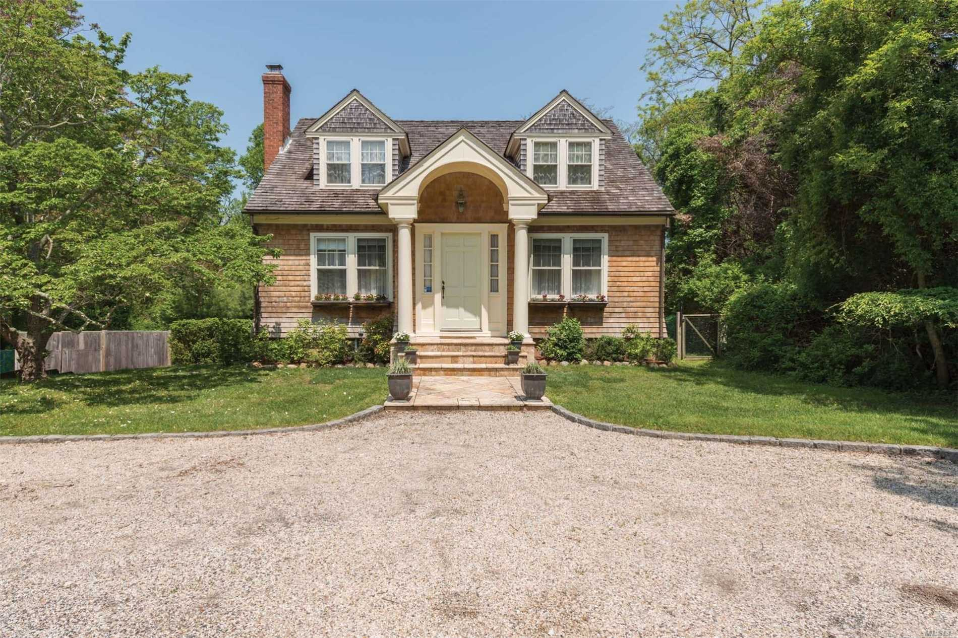 Residential For Sale in 2867 Noyac Rd, Sag Harbor, NY ,11963