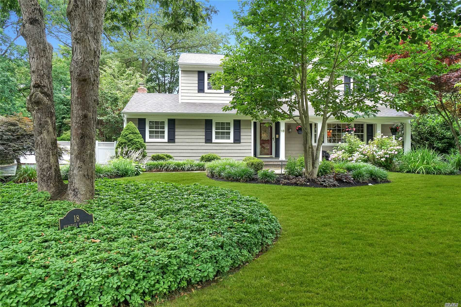 Residential For Sale in 18 Heritage Pl Sout S, Nesconset, NY ,11767