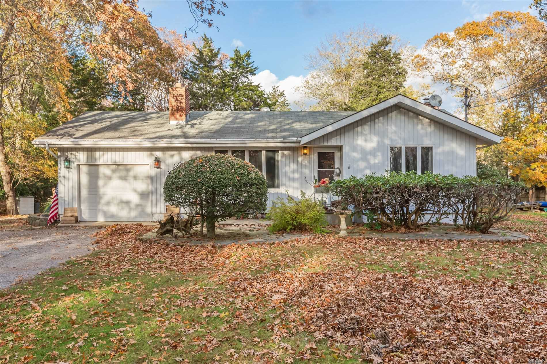 Residential For Sale in 63 Kings Point Rd, East Hampton, NY ,11937