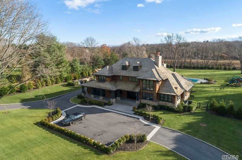 Residential For Sale in 9 White Gate Dr, Old Brookville, NY ,11545