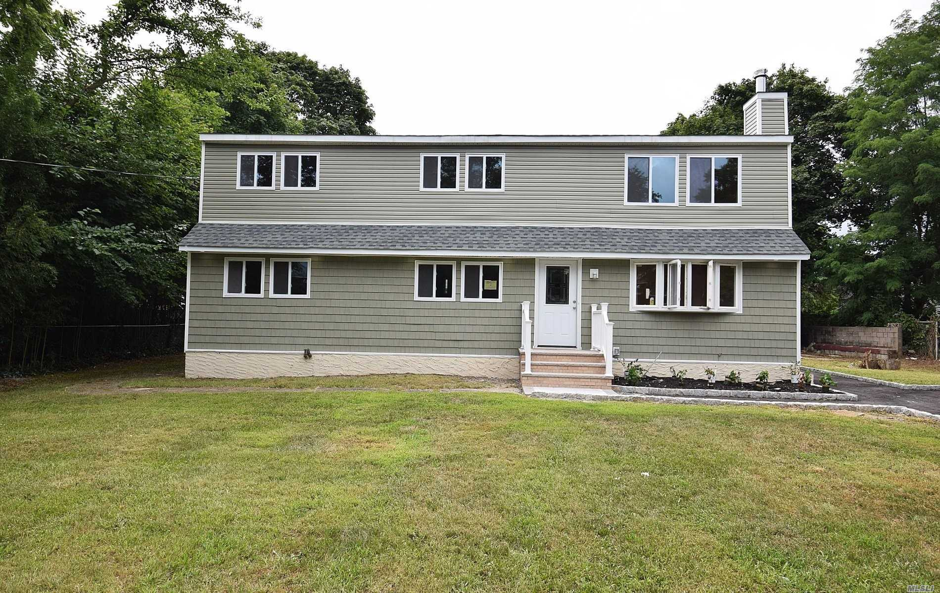 Residential For Sale in 18 30th S St, Wyandanch, NY ,11798