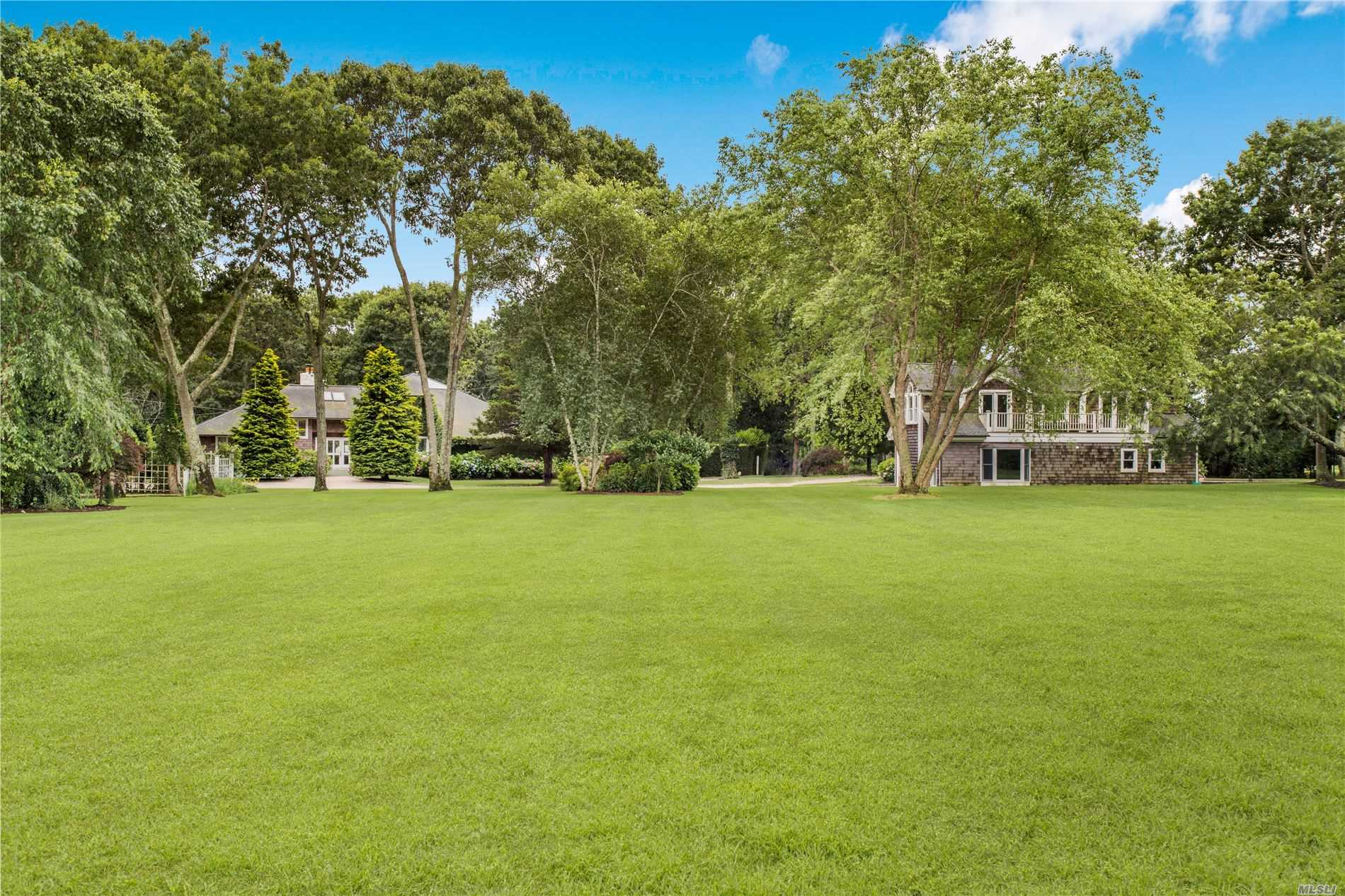 Residential For Sale in 15 Lewis Rd, E. Quogue, NY ,11942