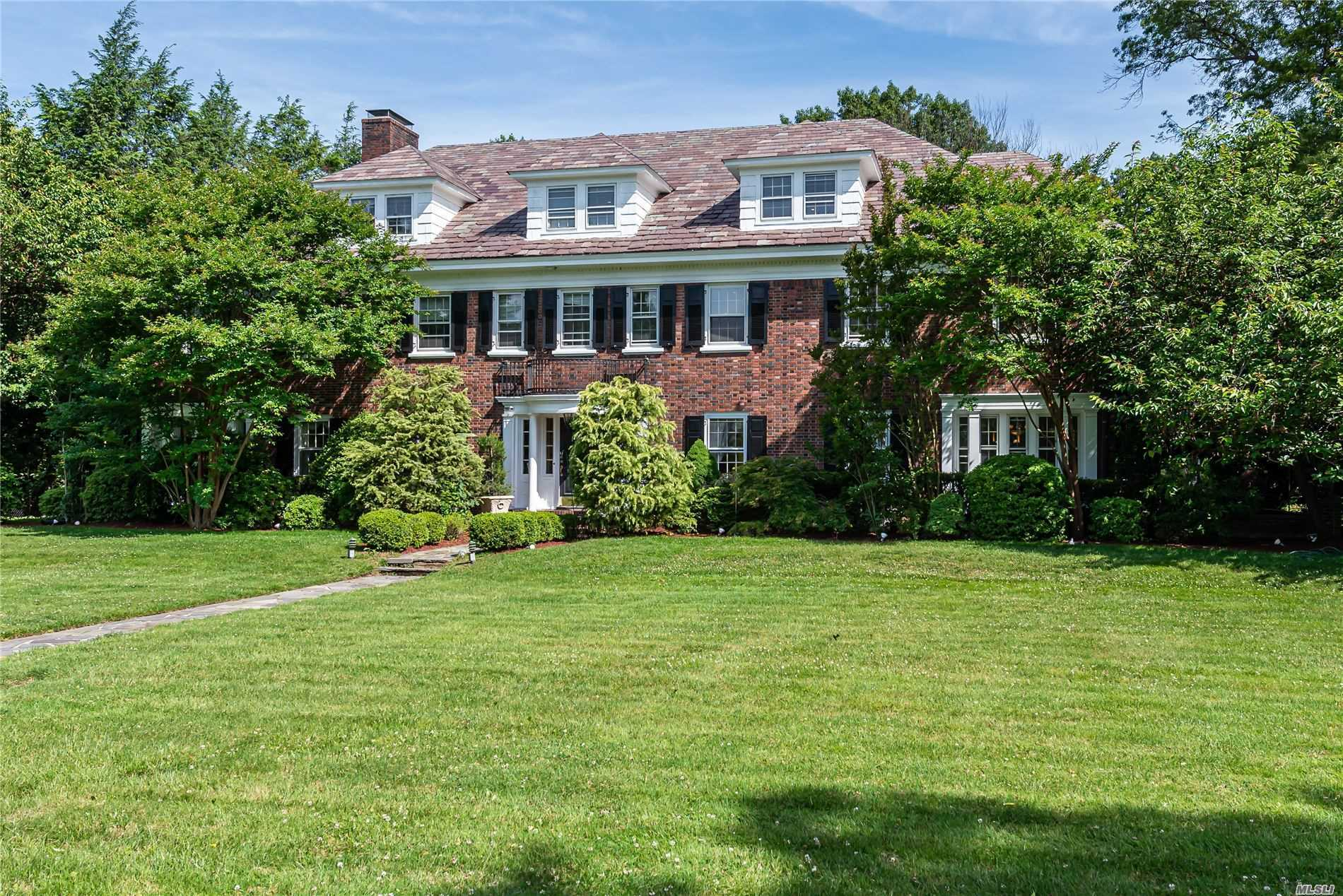 Residential For Sale in 395 Stewart Ave, Garden City, NY ,11530
