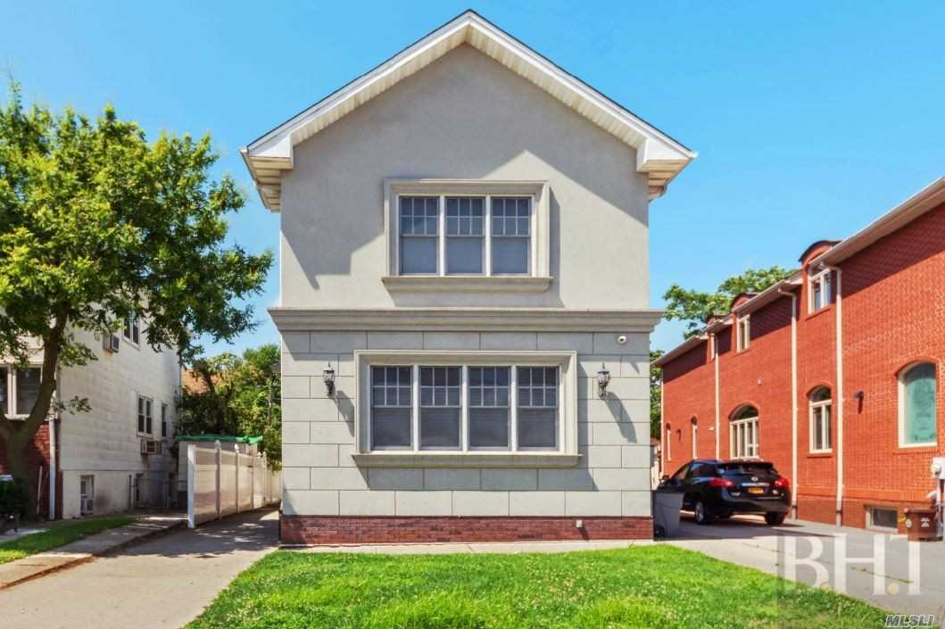 Residential For Sale in 4106 Manhattan Ave, Brooklyn, NY ,11224