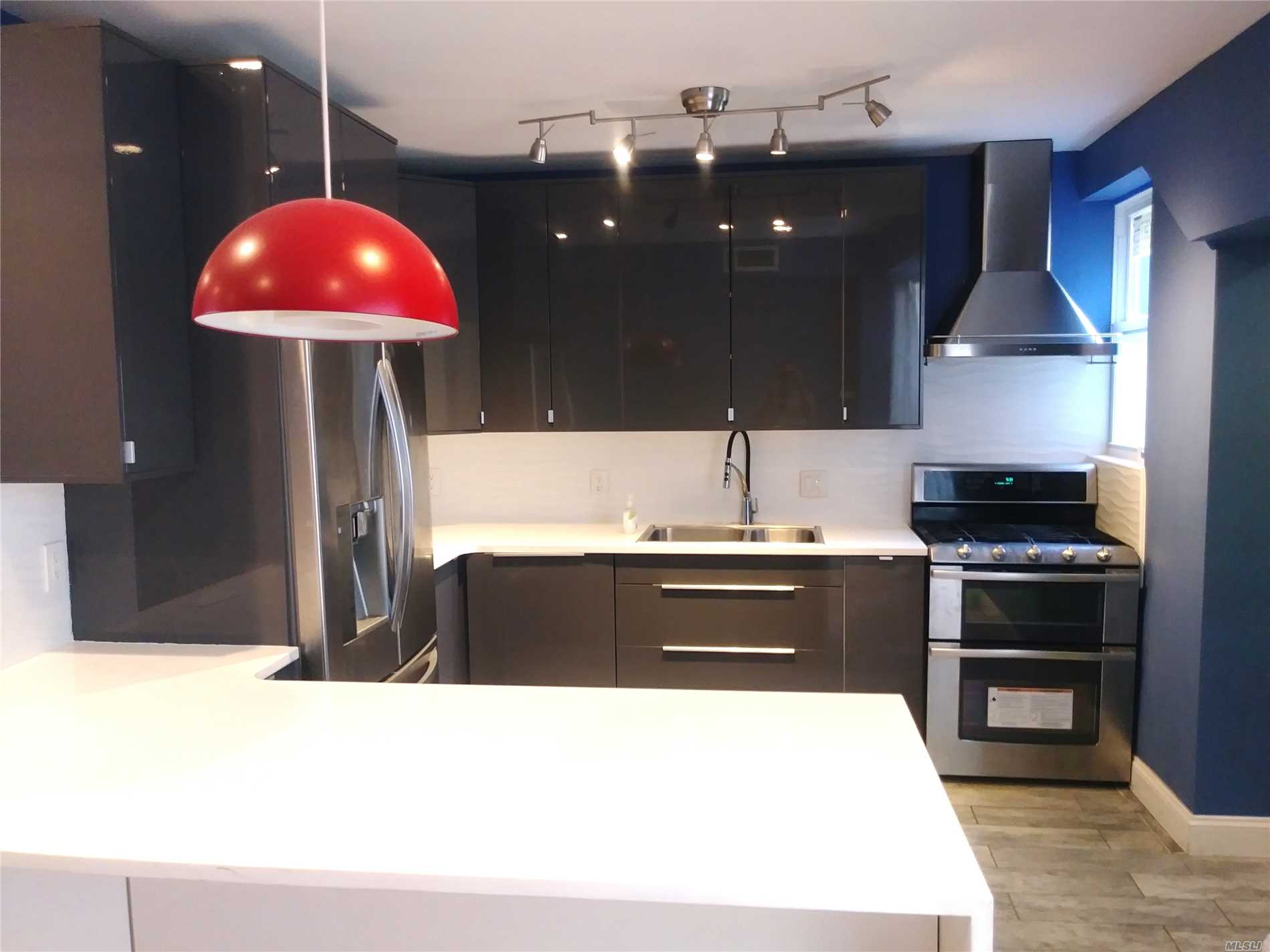 Residential For Rent in 22-13 42nd St, Long Island City, NY ,11101