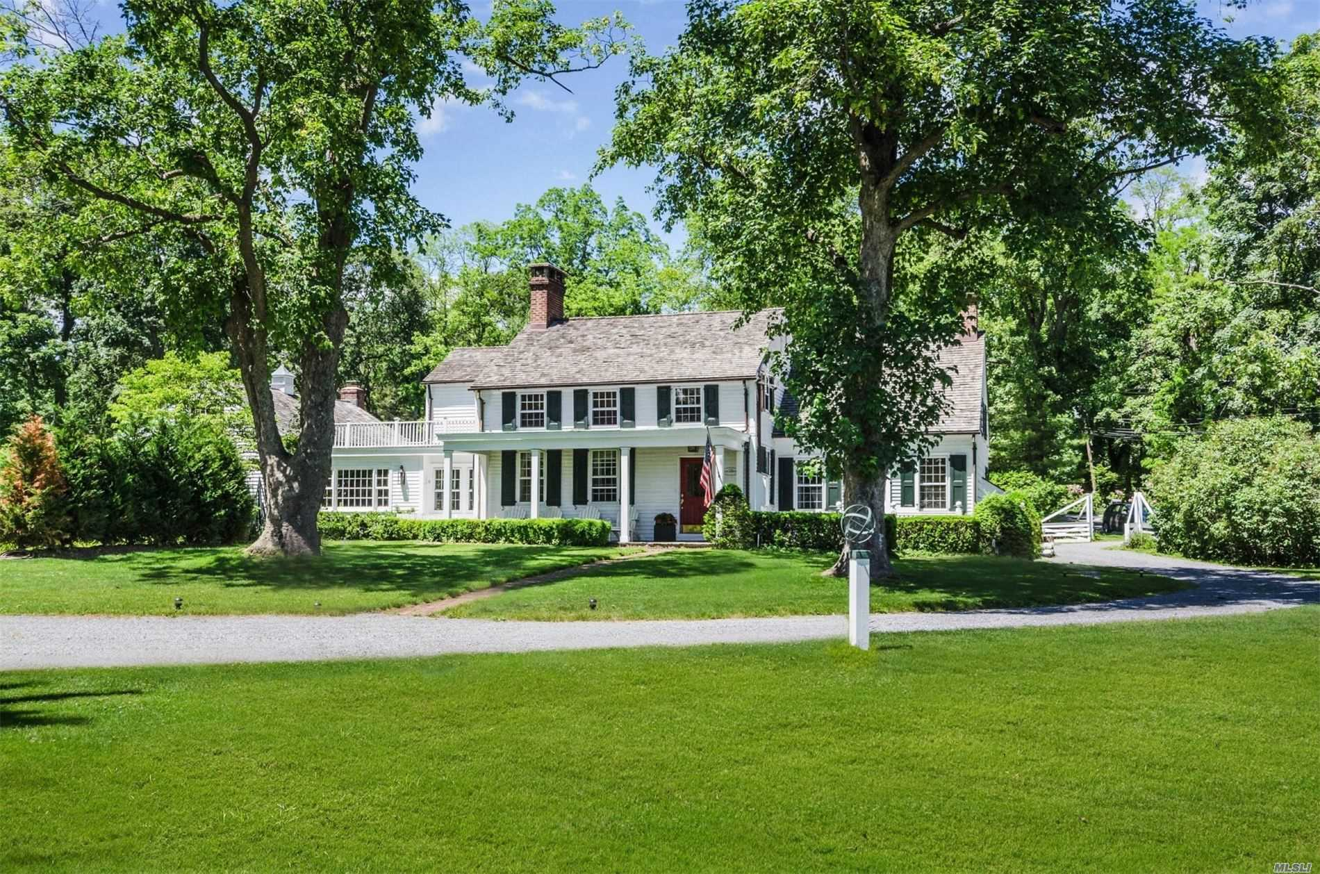 Residential For Sale in 1 Forrest Dr, Lloyd Neck, NY ,11743