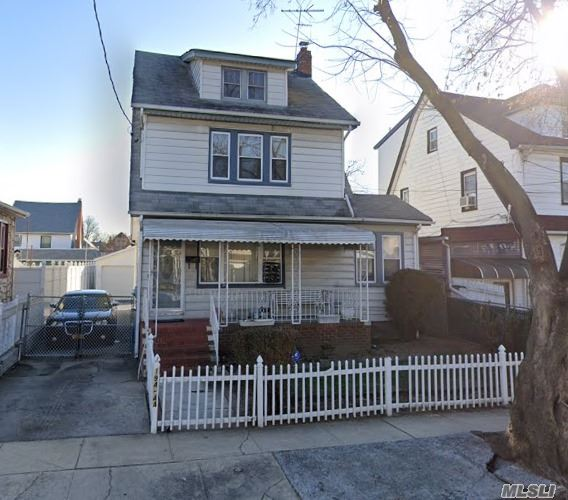 Residential For Sale in 19444 112th Ave, St. Albans, NY ,11412