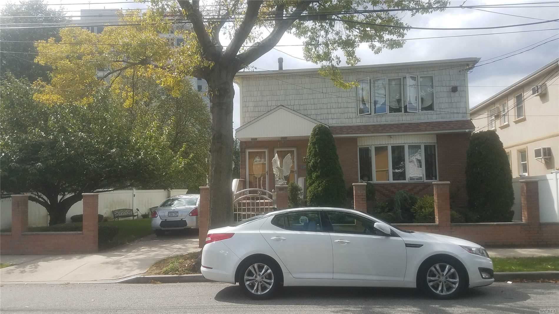 Residential For Sale in 133-36 Inwood St, Jamaica, NY ,11436
