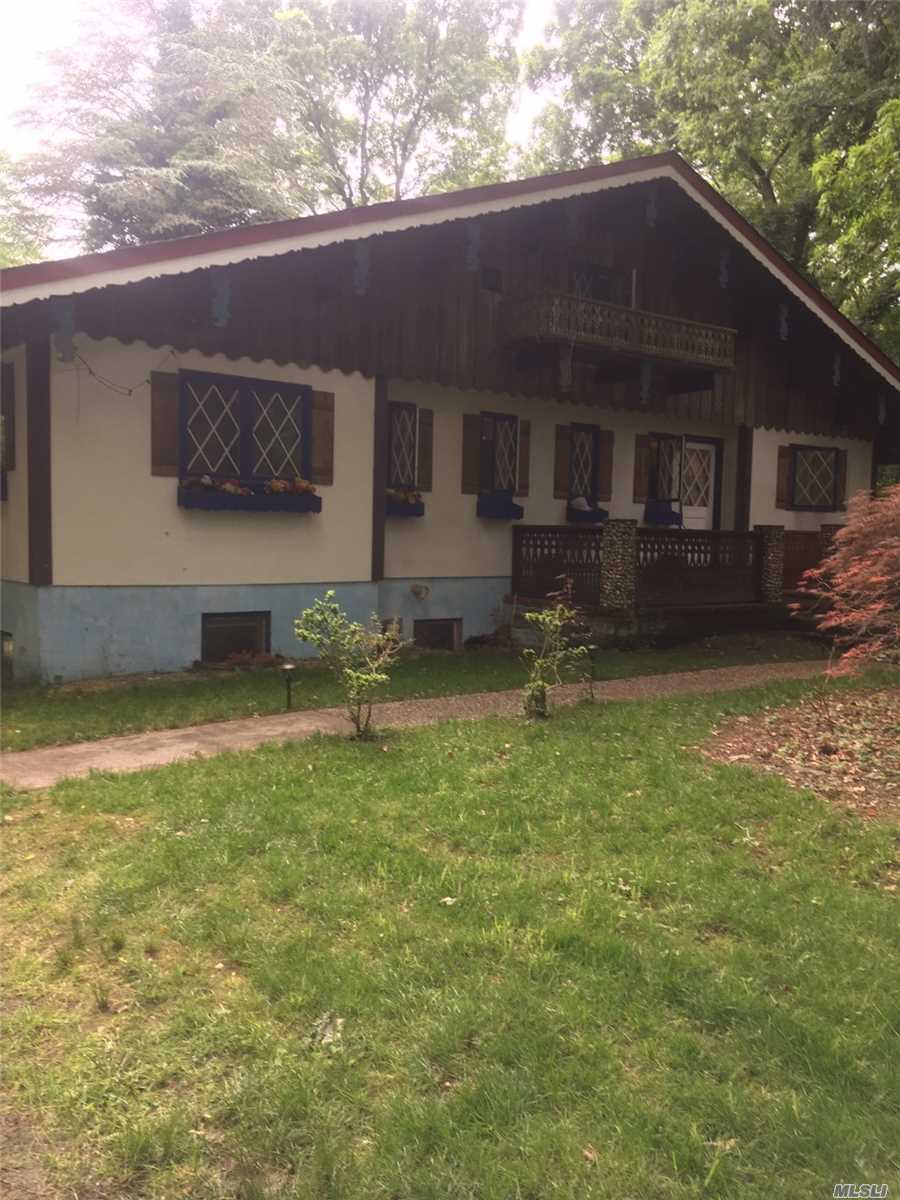 Residential For Sale in 36 Middle Island Blvd, Middle Island, NY ,11953