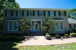 Residential For Sale in 12 Fox Hollow Dr, Shirley, NY ,11967