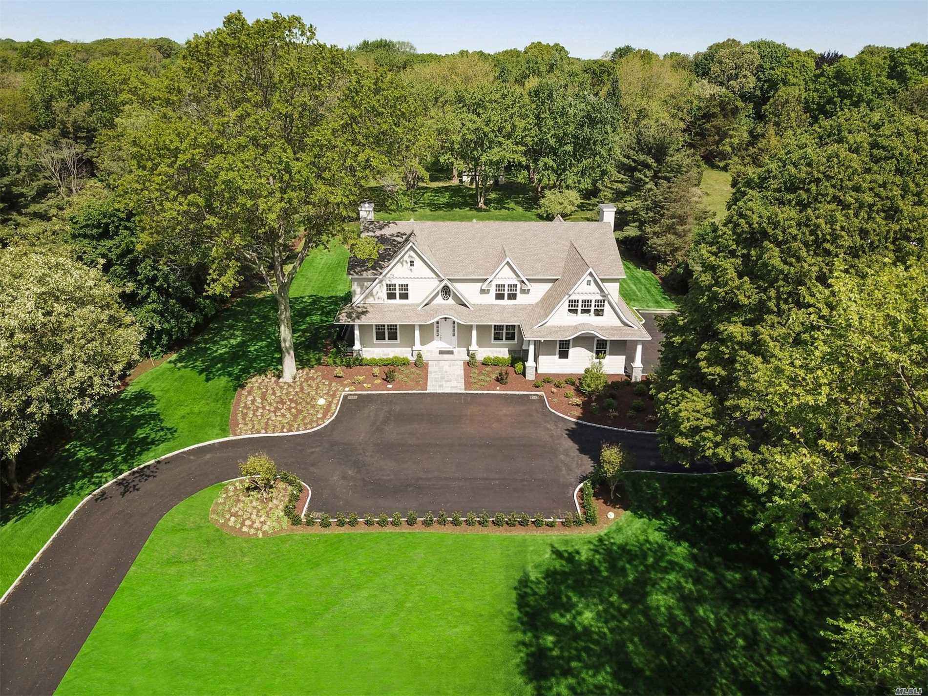 Residential For Sale in 459 Cold Spring Rd, Laurel Hollow, NY ,11791