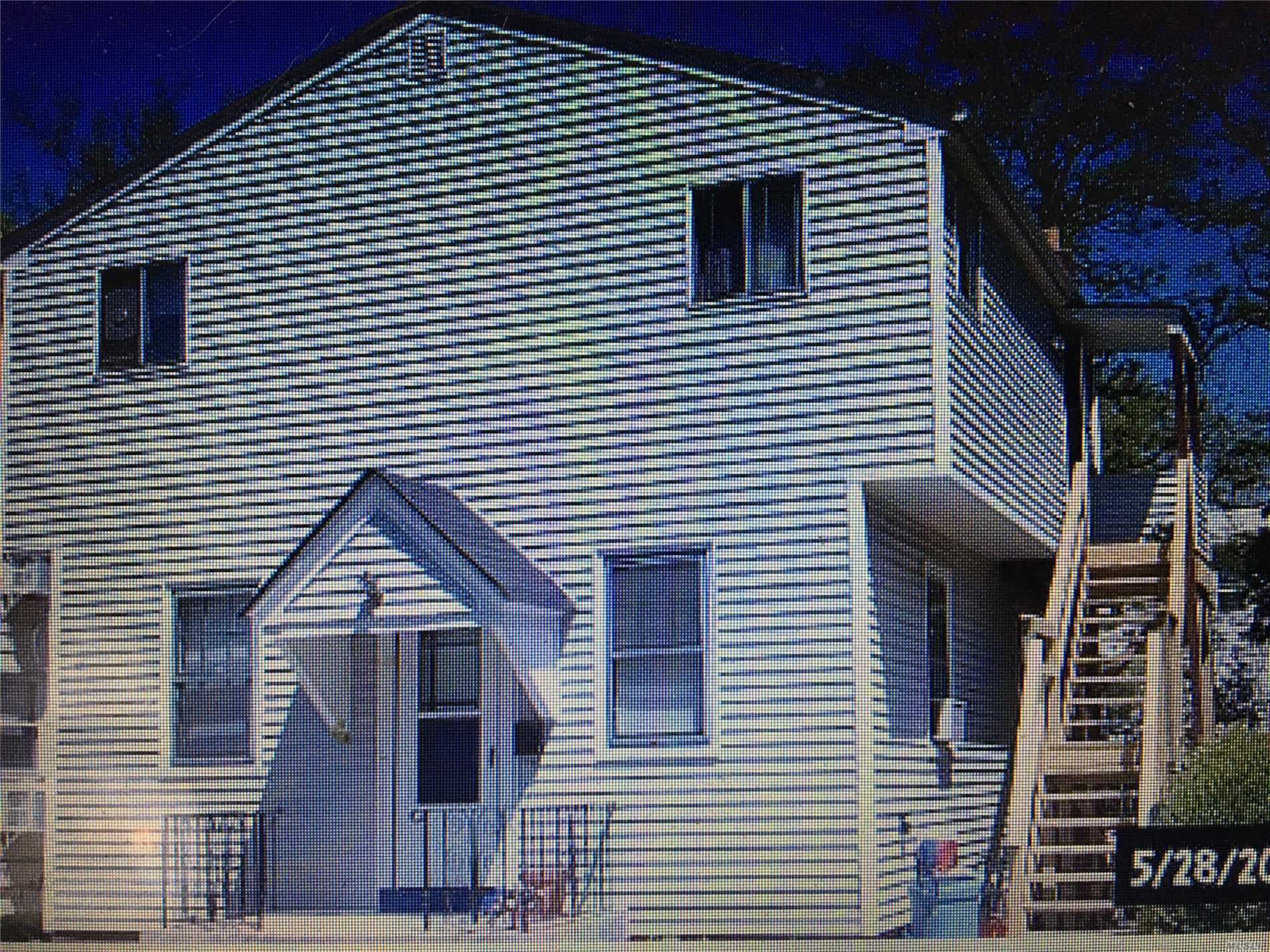 Residential For Sale in 58 Inwood Rd, Port Washington, NY ,11050